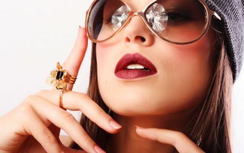 Top 10 obiecte care le fac placere femeilor :)