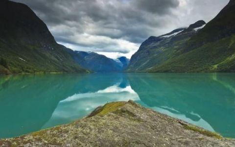 VIDEO SUPERB. Imagini spectaculoase din fiordurile si cascadele Norvegiei: