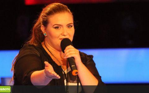 Oana Radu a intors 4 scaune cu piesa  Turning tables  a lui Adele! VIDEO