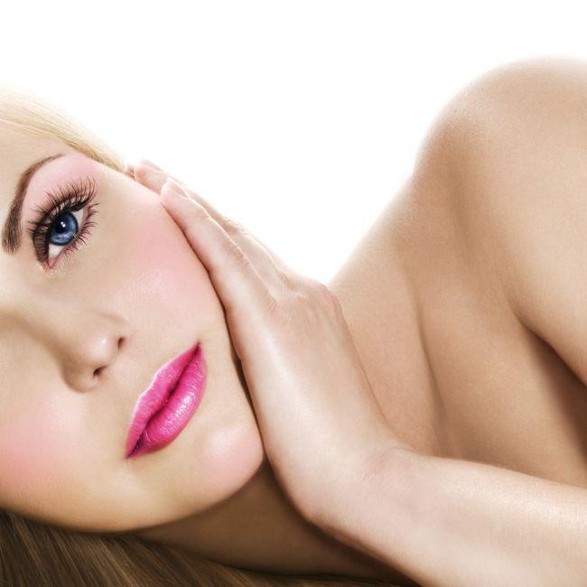 VIDEO. Cele mai bune sfaturi pentru o piele frumoasa si stralucitoare: