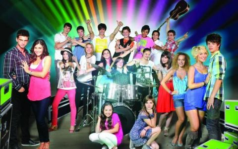 Vineri, LaLa Band danseaza pentru o trupa de copii talentati, bdquo;Born for trouble