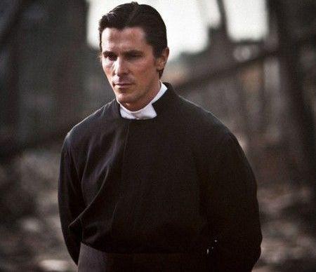 Christian Bale, oprit cu forta de politistii chinezi. Scandal la lansarea celui mai scump film facut vreodata de chinezi- The Flowers of War