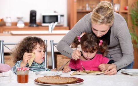 Ce este permis si ce nu in dieta unui copil supraponderal. VIDEO
