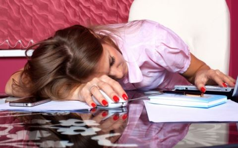 Prea multa munca creste riscul de depresie