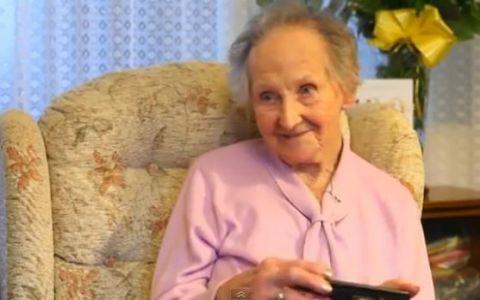 SECRETUL amuzant al unei bunicute de 100 de ani. Cum se mentine in forma la varsta asta: VIDEO