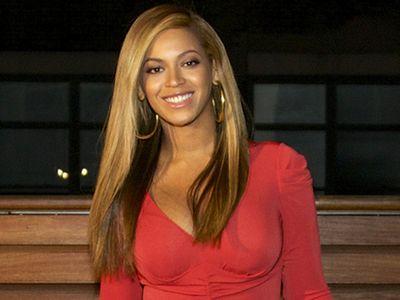 Beyonce, sexy dupa nastere. Cum arata vedeta la O LUNA dupa cezariana: FOTO