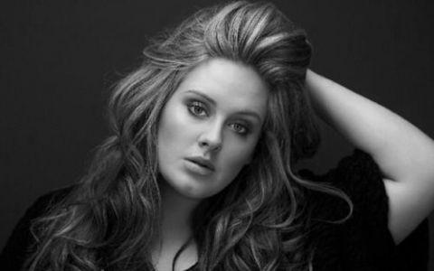 Declaratia care a suparat milioane de fani:  Adele este putin prea grasa!  Cine a spus-o: