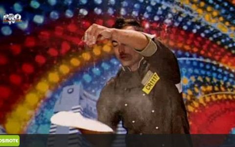 TALENTUL LUI l-a lasat pe Mihai Petre cu gura cascata! Ce jonglerii spectaculoase stie sa faca cu aluatul de pizza: