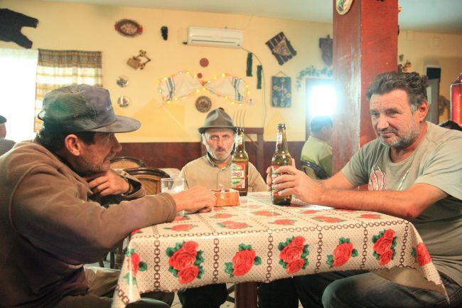 Episodul pilot din  Las Fierbinti  este exclusiv pe Voyo.ro