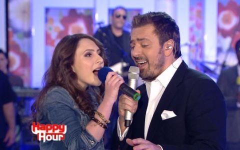 Horia Brenciu si Iuliana Puschila, finalista de la  Vocea Romaniei , au cantat  Vocea ta  LIVE la Happy Hour