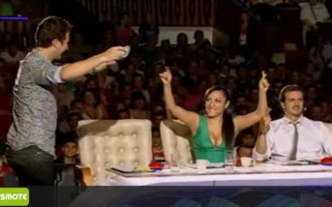 Mihai Petre a fost singurul care a apasat pe  X  si a ajuns sa regrete ca n-a avut rabdare! Concurentul e in semifinale :) VIDEO