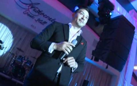 Vocea lui Stefan Stan, ca mierea pentru urechile celor indragostiti. Cu dedicatie speciala pentru Pepe si Raluca. VIDEO