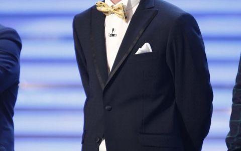 EL tine publicul in priza fara stecher! Cine este  actorasul  care a ajuns in Marea Finala de la  Romanii au talent : VIDEO