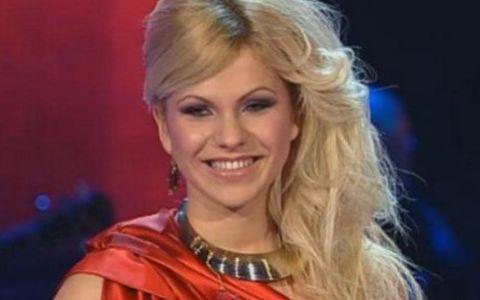 Blonda lui Brenciu se lanseaza in muzica! Vezi cum suna primul ei single,  Love me : VIDEO