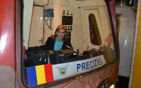 Cum e sa conduci UN METROU. Roxana Ciuhulescu a facut-o si pe-asta! :)