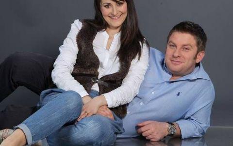 Pavel Bartos si sotia sa, un cuplu extrem de simpatic. Cei doi vor deveni parinti de fetita pentru a treia oara