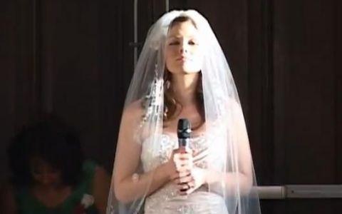 ASTA chiar e ceva neobisnuit! Un clip cu o mireasa care canta la propria nunta face senzatie pe Youtube: VIDEO