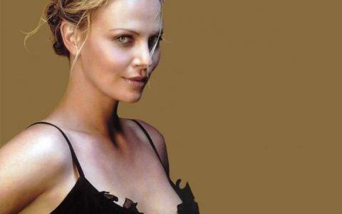 Charlize Theron, actrita pentru care niciun sacrificiu nu e prea mare, cand vine vorba de un rol