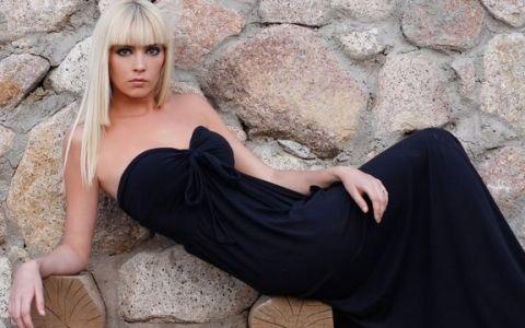 Diana Dumitrescu a descoperit  durerea de trotuare  si a trait periculos pe strazile din Bucuresti