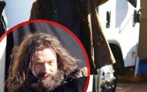 Hugh Jackman, unul dintre cei mai atragatori actori de la Hollywood, arata ca un om al strazii la filmarile pentru  The Wolverine