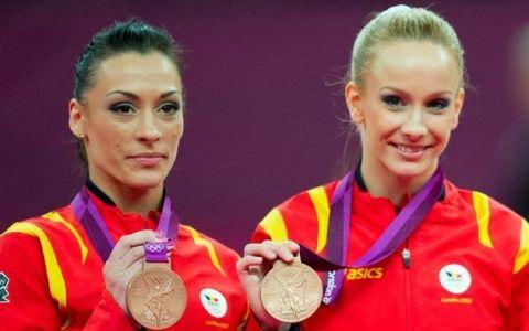 Sandra Izbasa si Catalina Ponor, asa cum rar le vezi. Relaxate, in afara salii de gimnastica. 16 POZE de colectie