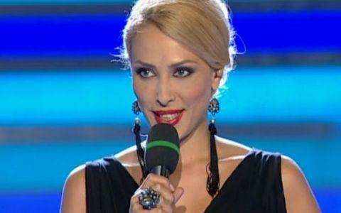 Ce rochie a purtat Iulia Vantur in prima editie a noului sezon  Dansez pentru tine . Sexy in negru
