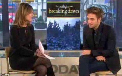 Reactia neasteptata a lui Robert Pattinson, atunci cand a fost intrebat de relatia cu Kristen Stewart: VIDEO