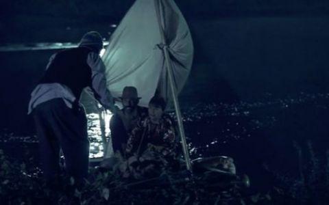 Se pune la cale marea evadare din  Las Fierbinti , pe o pluta purtata in larg de papusi gonflabile: VIDEO