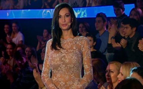 Prima aparitie a Nicoletei Luciu la  Vocea Romaniei , WOW! Bruneta a purtat o rochie transparenta si super sexy, care dezvaluia aproape tot