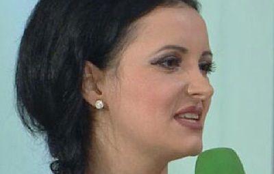 O cantareata din Romania si-a facut 17 operatii estetice, ca sa arate ca Nicoleta Luciu: VIDEO