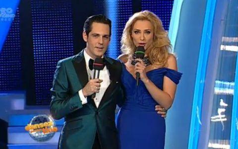 Iulia Vantur, ravasitoare in ultima editie  Dansez pentru tine  din acest sezon. A purtat o rochie albastra, cu umerii goi