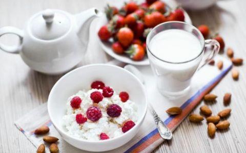 Dieta de noapte. 5 alimente care ard caloriile in somn