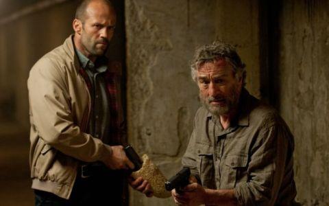 Jason Statham se lupta cu serviciile secrete pentru viata lui Robert de Niro, duminica, la ProTV, in  Infruntarea