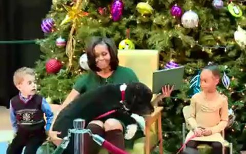Moment amuzant: Cum a pus-o in dificultate Boo, cainele familiei prezidentiale, pe Michelle Obama. VIDEO