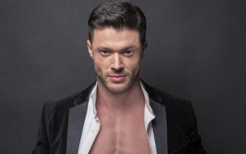 Victor Slav, mai sexy ca niciodata. Asta e abdomenul plin de patratele la care Anda Adam are interzis