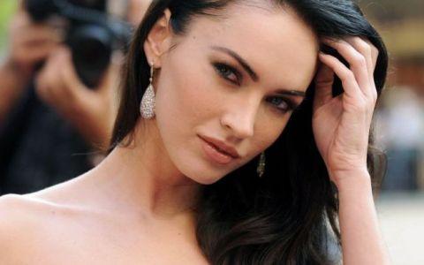 Megan Fox, intr-o forma fizica de invidiat la patru luni dupa ce a devenit mama: Pictorial sexy
