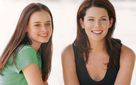 Alexis Bledel, la 12 ani de la celebrul rol din serialul  Fetele Gilmore . Actrita a impresionat pe covorul rosu, la Gala SAG