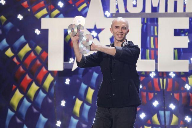 """Nic este magnific. Un spectacol de magie """"unic in Romania"""", despre care tatal concurentului spune ca e """"lucratura diavolului"""""""