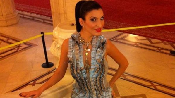Andreea Tonciu si sora ei, la prima prezentare de moda impreuna: FOTO