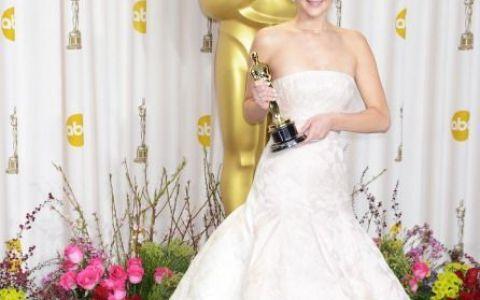 Oscar 2013. Cea mai buna actrita, incident stanjenitor la primirea trofeului. A ridicat sala in picioare: VIDEO
