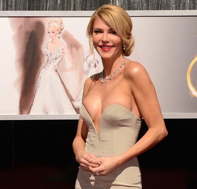 Probabil, cea mai scandaloasa aparitie de la premiile Oscar. Cum a venit imbracata fosta sotie a actorului Eddie Cibrian: FOTO