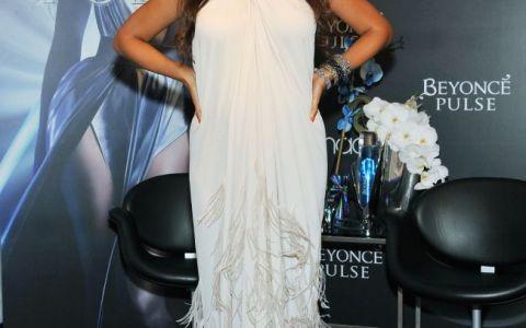 Beyonce s-a transformat intr-o blonda sexy. Cum arata cantareata cu parul deschis la culoare in cel mai nou videclip