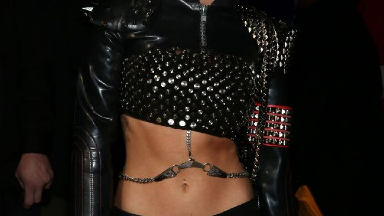 Decizia radicala pe care a luat-o Miley Cyrus dupa ce presa a scris ca logodnicul ei a inselat-o cu alta femeie