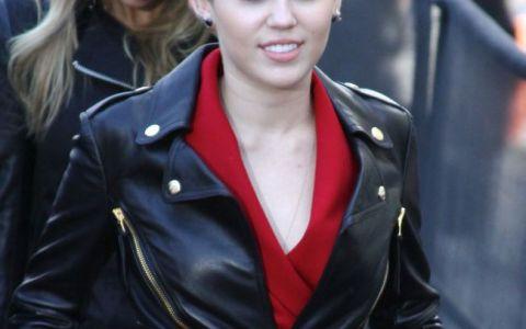 Miley Cyrus, singura. S-a despartit de iubitul infidel