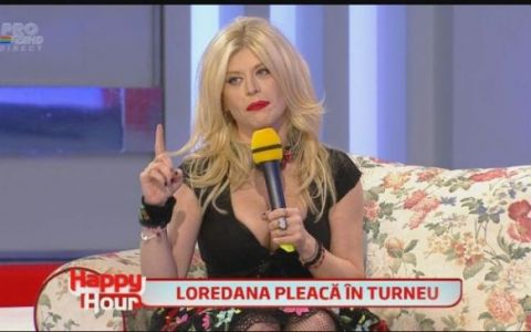 Tinuta super sexy cu care Loredana isi promoveaza noul turneu. Diva a venit la  Happy Hour  cu un decolteu mai mult decat indraznet