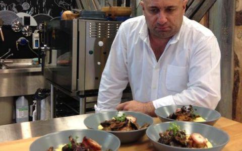 Un preparat delicios si sanatos pe baza de carne de iepure. Chef Catalin Scarlatescu iti ofera  pe tava  o reteta speciala: VIDEO