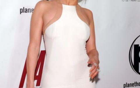 Cum a pierdut Jennifer Lopez 1 milion de dolari si un concert cu o audienta de 60 de milioane de oameni
