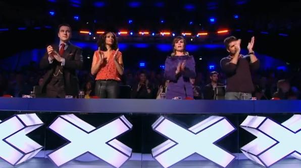 Dansul cu umbre care a emotionat-o pana la lacrimi pe Amanda Holden de la  Britain s Got Talent . Clipul a strans milioane de afisari in timp record