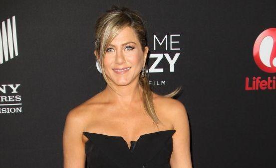 Detaliul pe care Jennifer Aniston nu l-a observat cand s-a imbracat asa. Uite de ce a regretat ca a purtat o tinuta atat de decoltata