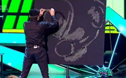 Nimeni nu a stiut, pana la final, ce picteaza pe panza. Andra:  Chiar nu ma asteptam la asta! WOW!
